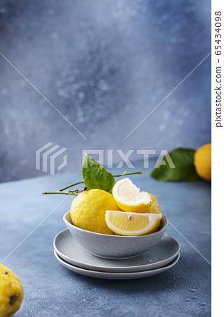 Fresh Sicilians lemons 65434098