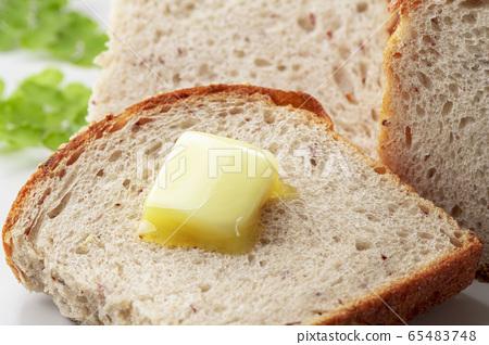 美味的黃油和麵包 65483748