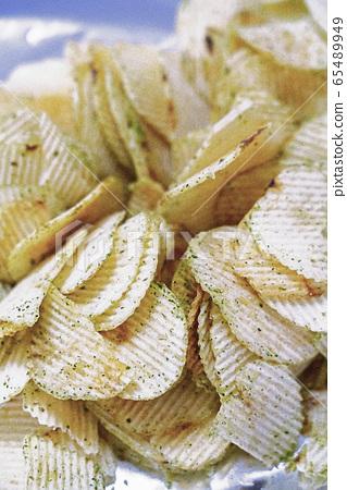 Potato chips 65489949
