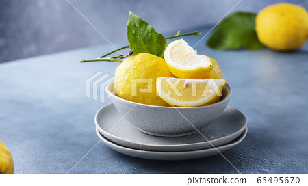 Fresh Sicilians lemons 65495670