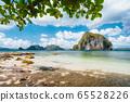 El Nido, Palawan, Philippines. Leaves framed picture of Pinagbuyutan island and beautiful tropical coastline seascape 65528226