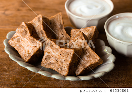 Brown sugar walnut bread Danish pastry bread 65556861