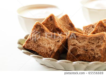 Brown sugar walnut bread Danish pastry bread 65556889