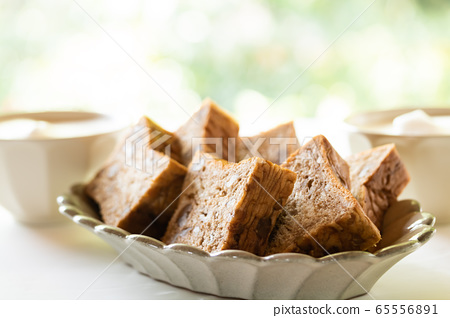 Brown sugar walnut bread Danish pastry bread 65556891
