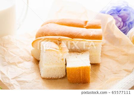 牛奶麵包 65577111