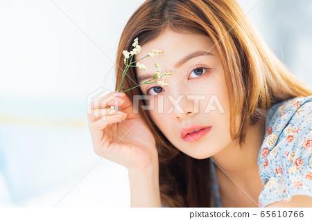 Beautiful woman, bedroom, morning 65610766