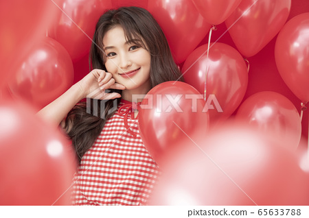 Party women balloons red 65633788