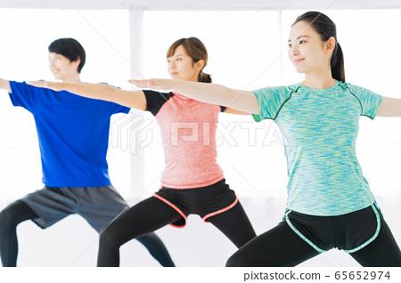 요가 피트니스 체육관 여성 운동 65652974