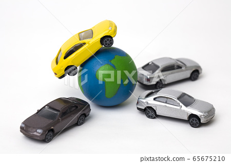 Earth and cars 65675210