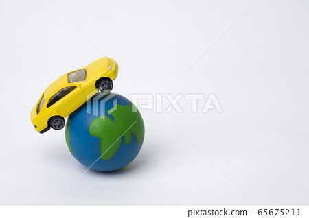 Earth and cars 65675211