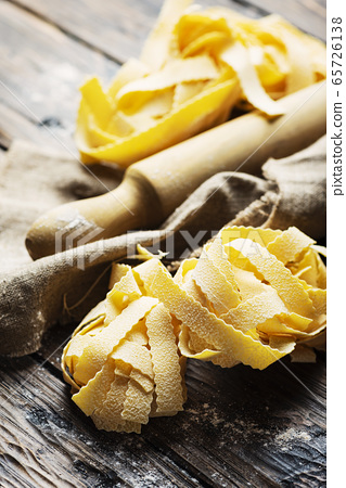 Raw Pappardelle 65726138