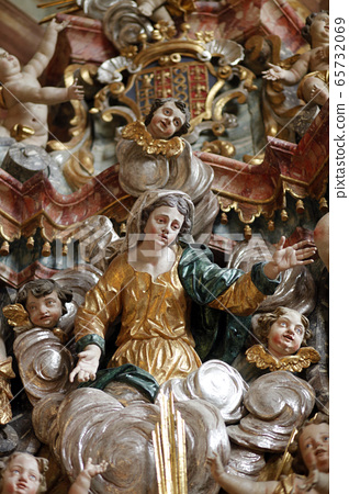Virgin Mary 65732069