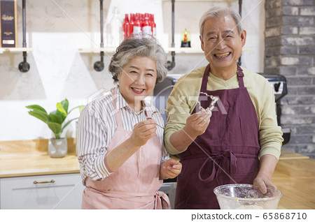 Happy senior life concept. Healthy activities in daily life of senior couple 267 65868710