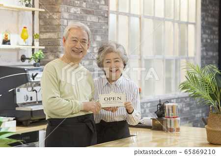 Happy senior life concept. Healthy activities in daily life of senior couple 227 65869210