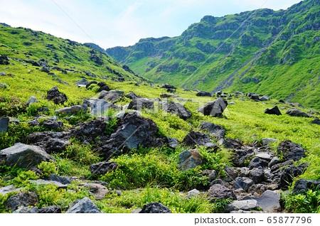 초 카이 산의 용암 바위 65877796