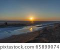 Sunrise over the salt lake of El Jerid. 65899074