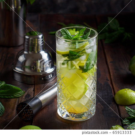 Mojito cocktail made with barmen tools 65913333