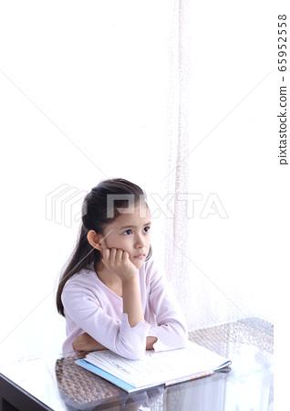 擔心的思考家庭學習小學兒童筆記本考試平板電腦1作業 65952558