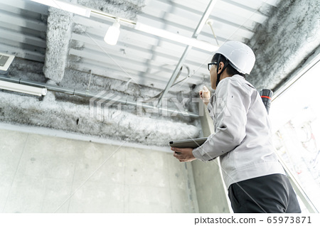 建築公司的員工 65973871