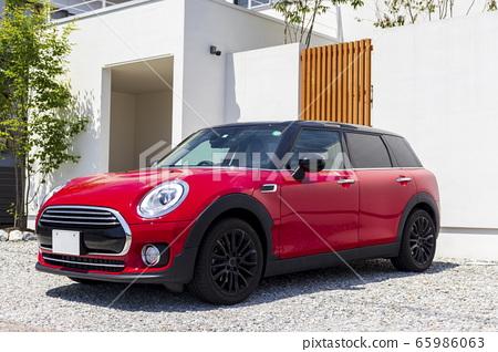 건물 _ 신축 주택, 빨간 자동차, 현관, 접근 65986063