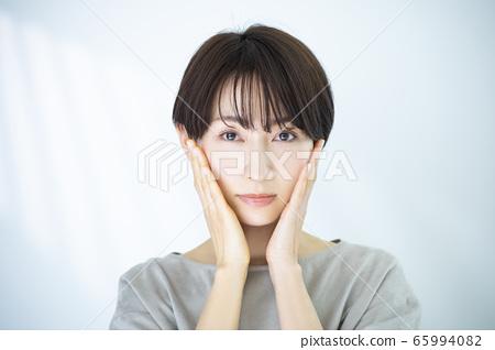 美女形象30多歲的女性 65994082
