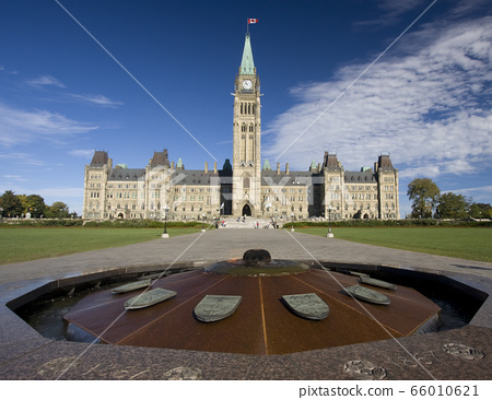 The Parliament of Canada and heroes flame in Ottawa 66010621