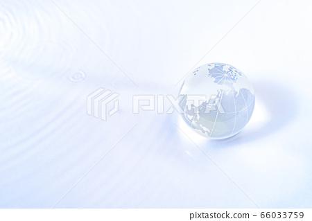 地球上有豐富的水 66033759