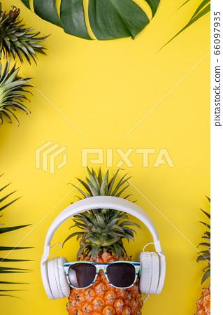 Feng Pear ear device 聽音樂 蜖圖 pineapple headphone pineapple headphones 66097935