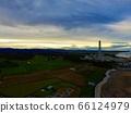 无人机鸟瞰黄昏时的海滨风光(福岛县南相马市原町区北山市) 66124979