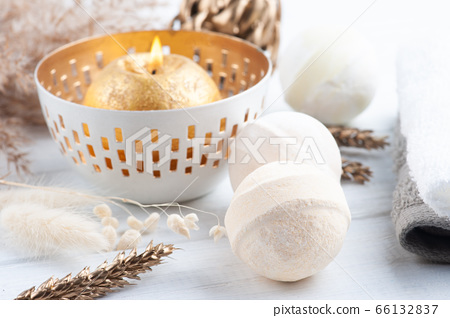Bath bombs in spa composition 66132837