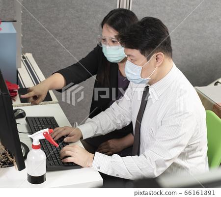 辦公室防疫打電腦 66161891