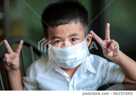 asian children wearing protection mask  quarantine 66205868