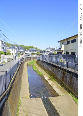 Landscape of blue sky and Zenpukuji River (Suginami Ward, Tokyo) 66221217