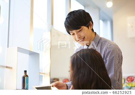 美髮沙龍頭髮目錄年輕男女 66252925