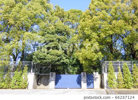 The main gate of the Takanawa Imperial Family Residence (Sento Temporary Palace/Former Takamatsu Palace Residence) 66287124