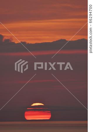 시레토코의 바다에 가라 앉는 변형 한 태양 (홋카이도) 66294700