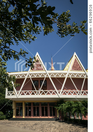 Chaktomuk Conference Hall architecture landmark 66296916