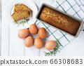 自製蛋糕和配料雞蛋 66308683