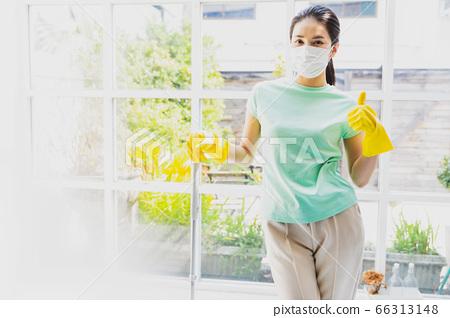 美丽的家庭主妇妇女清洁拖把家务家庭生活人材料 66313148