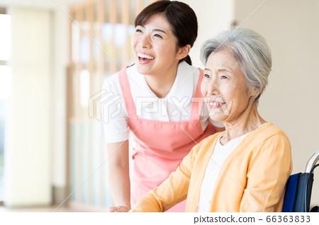 간호 여성 병원 도우미 간병인 수석 66363833