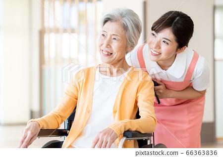 간호 여성 병원 도우미 간병인 수석 66363836