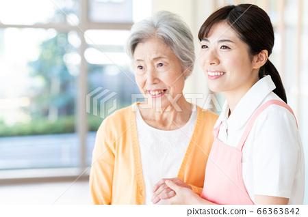 간호 여성 병원 도우미 간병인 수석 66363842