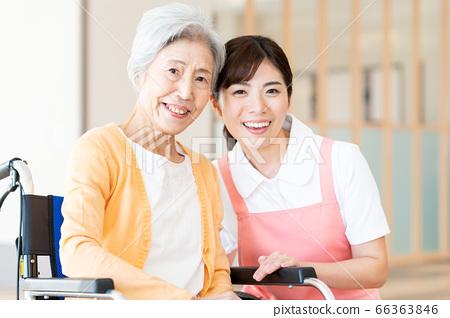 간호 여성 병원 도우미 간병인 수석 66363846