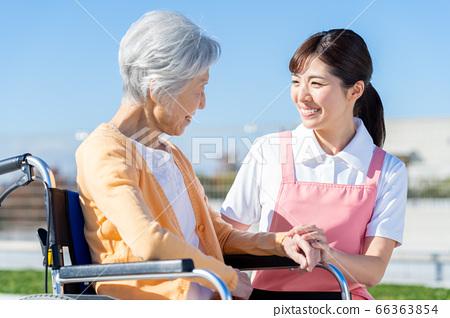 간호 여성 병원 도우미 간병인 수석 66363854