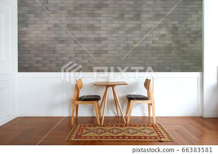 牆壁和桌子,椅子,室內 66383581
