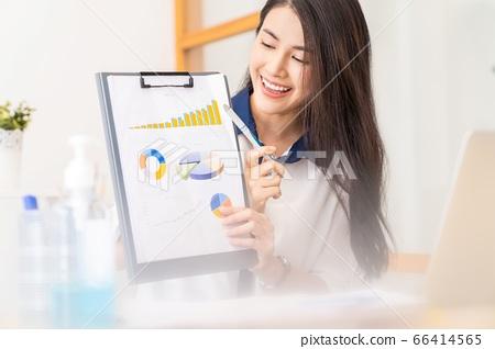 美丽的女人女性上班族微笑办公室业务场景人素材 66414565