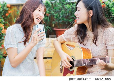 Woman, music, lifestyle 66421609