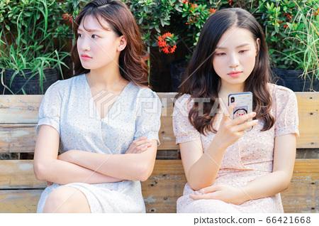 Woman, chatting, lifestyle 66421668