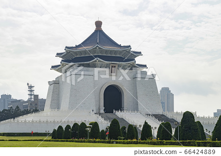 The main building of the National Chiang Kai-shek 66424889