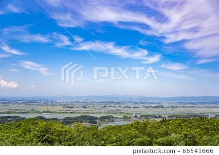 교외의 시골 풍경 66541666